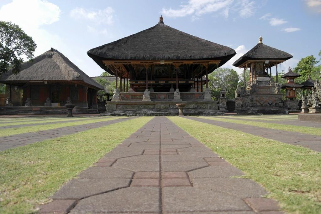 Bali – Batuan Temple & Elephant Cave