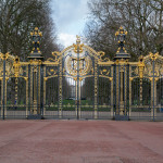 Gates next to Buckingham Palace